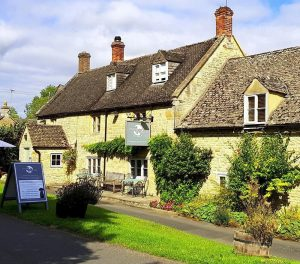 Horse & Groom Oddington